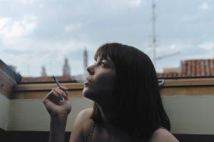 עישון במקומות ציבוריים: איפה אפשר לעשן במהלך טיולים?